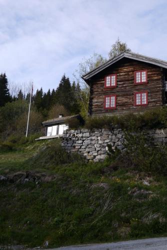 Våningshus og bakstehus